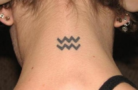 aquarius-tattoos-neck