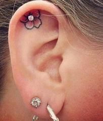 ear-tattoo-flower-inside