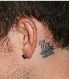 ear-tattoos-men-behind-la