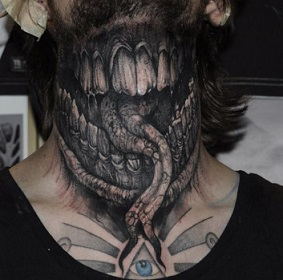 neck-tattoos-mouth
