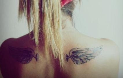 shoulder-blade-tattoos-wings-girl