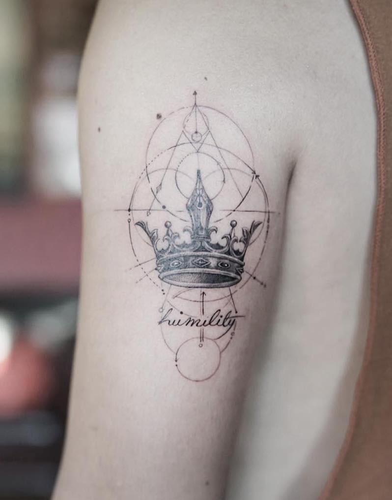 Crown Tattoo by Nando Tattoo-