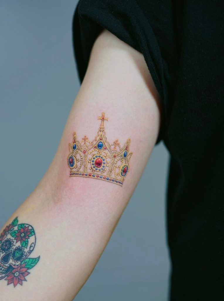 Crown Tattoo by Nando Tattoo