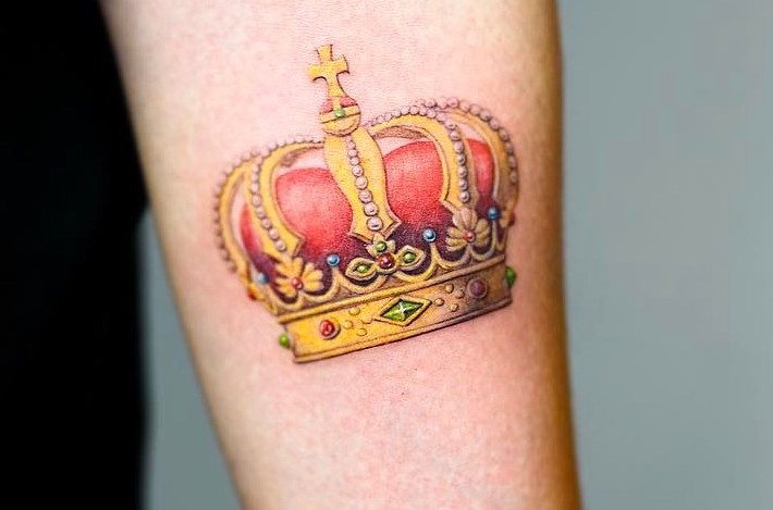 Nando Tattoo- Crown Tattoo
