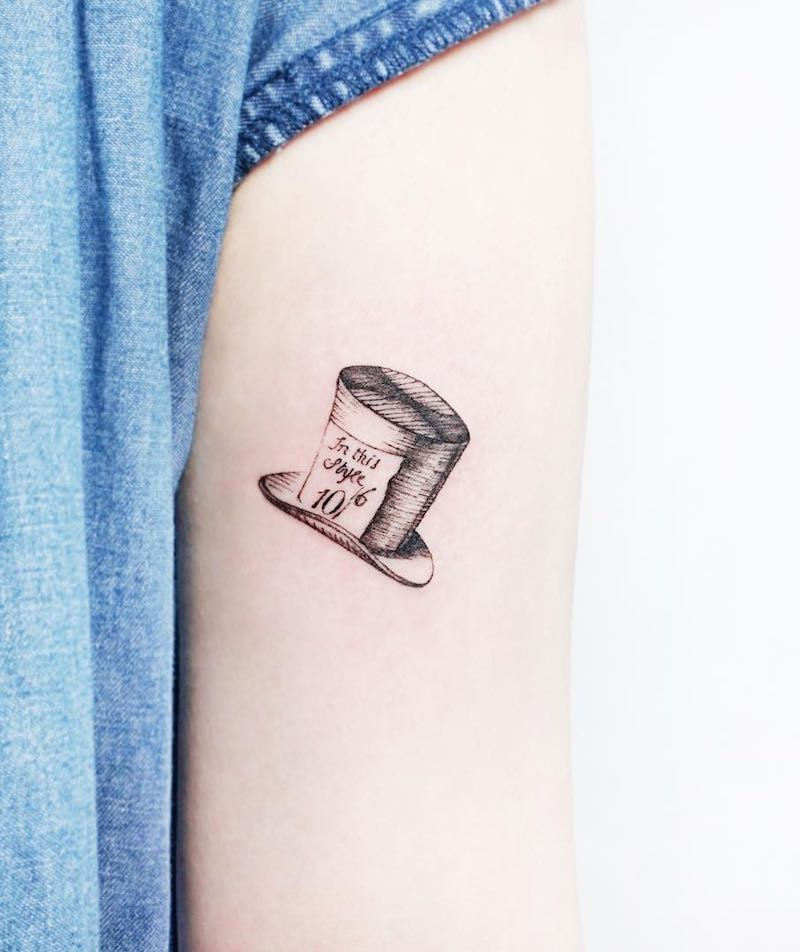 Top Hat Small Tattoo by Tattooist IDA