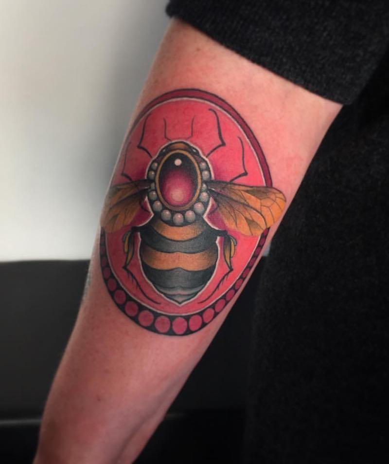 Bee Tattoo 3 by Fraser Peek
