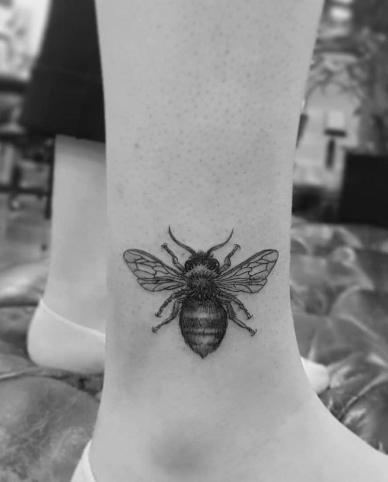 Bee Tattoo by Alexandyr Valentine