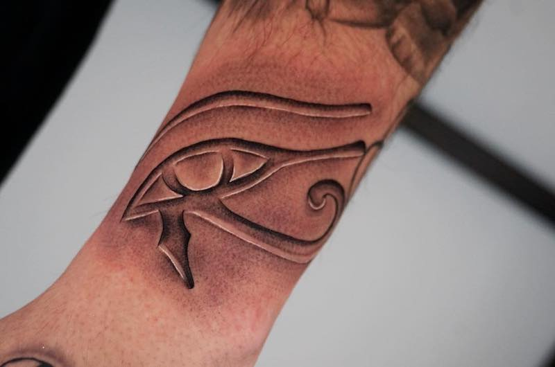40 Outstanding Eye Tattoos Plus the Meaning and Rich History