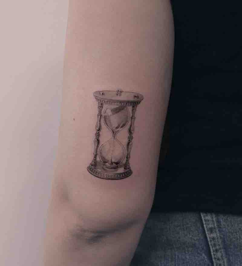 Hourglass Tattoo by Zipin Black